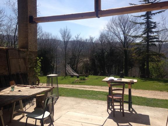 31) Outdoor Studio